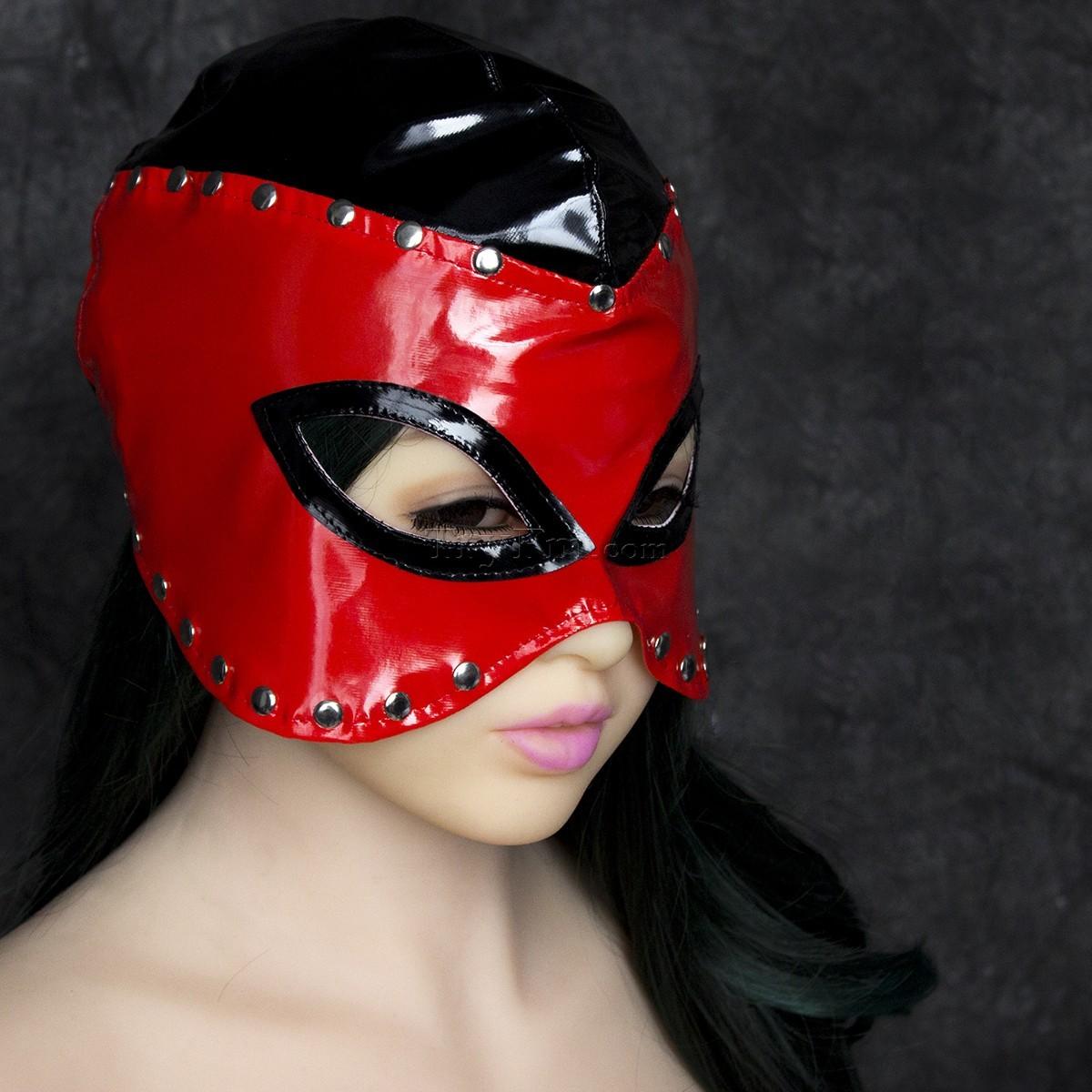 13-Masked-Queen-Cap.jpg