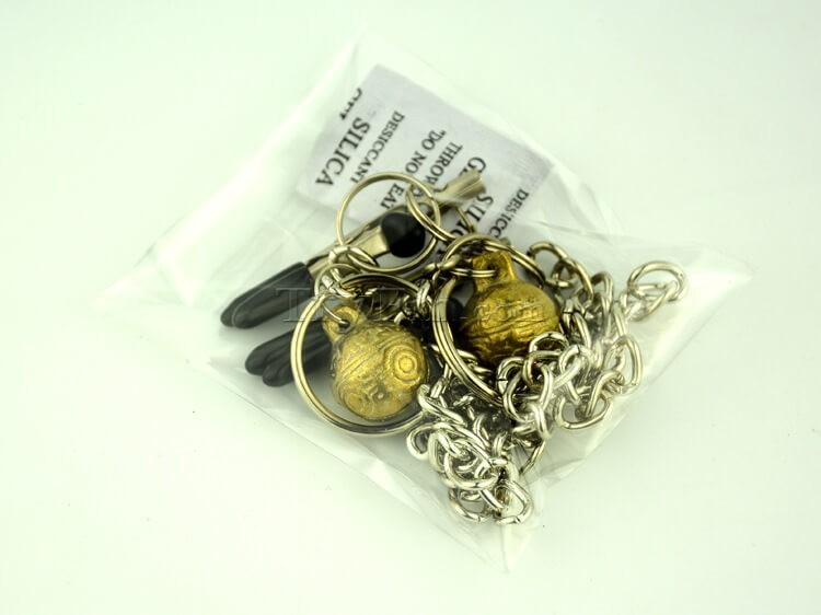 11-nipple-clamp-with-metal-tassels1.jpg