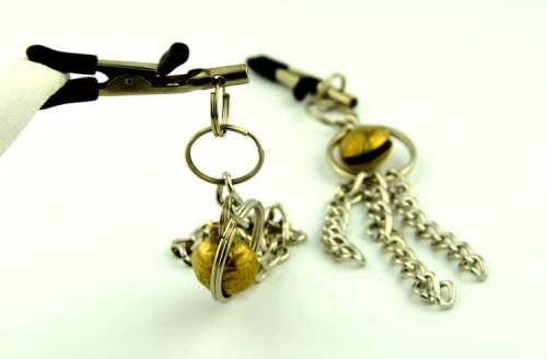 11-nipple-clamp-with-metal-tassels3.jpg