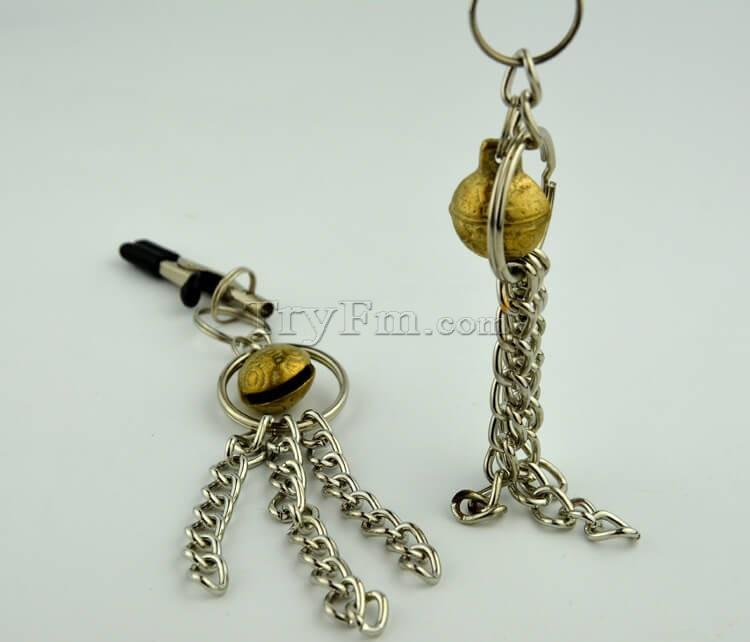 11-nipple-clamp-with-metal-tassels6.jpg