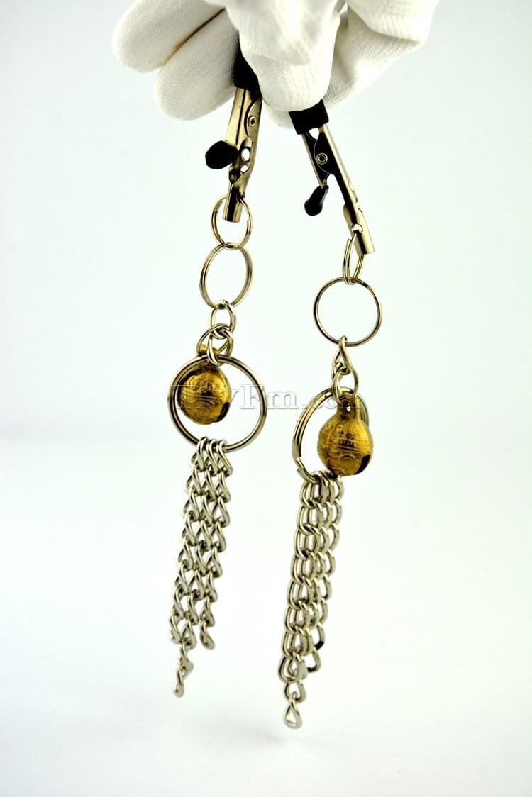 11-nipple-clamp-with-metal-tassels8.jpg