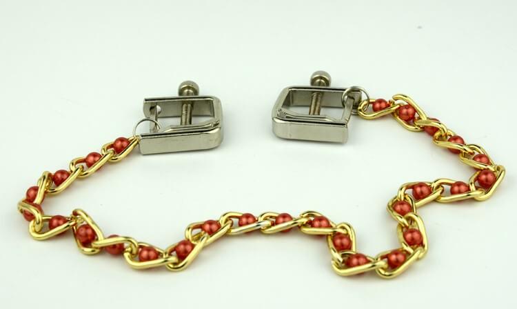 14-nipple-clamp-with-pearls-chain2.jpg