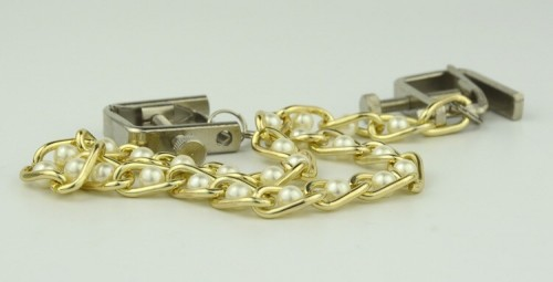 14-nipple-clamp-with-pearls-chain5.jpg