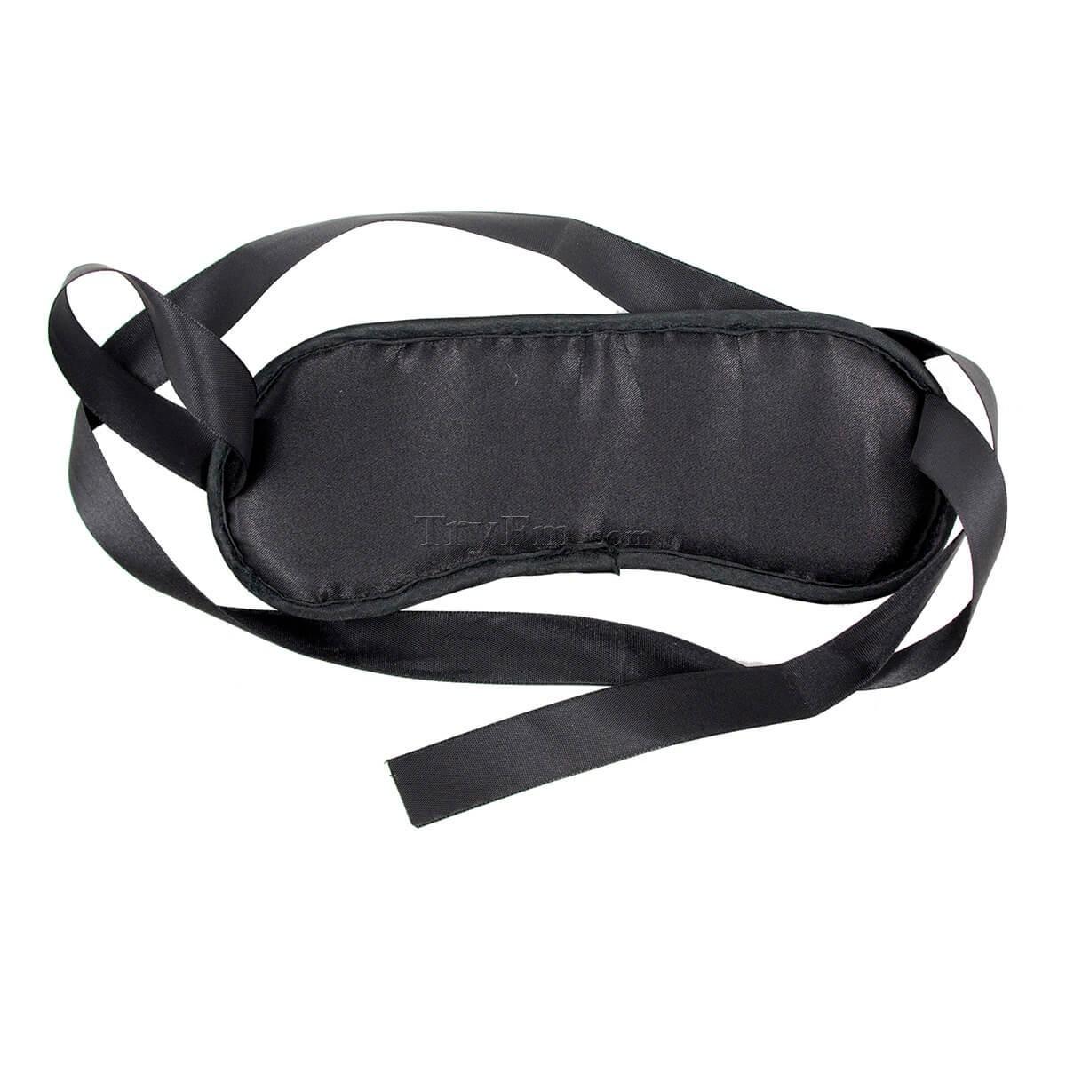 1-american-beauty-blindfold13.jpg