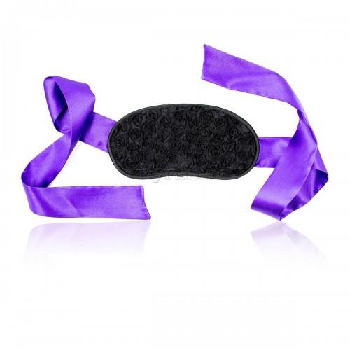 1-american-beauty-blindfold15.jpg