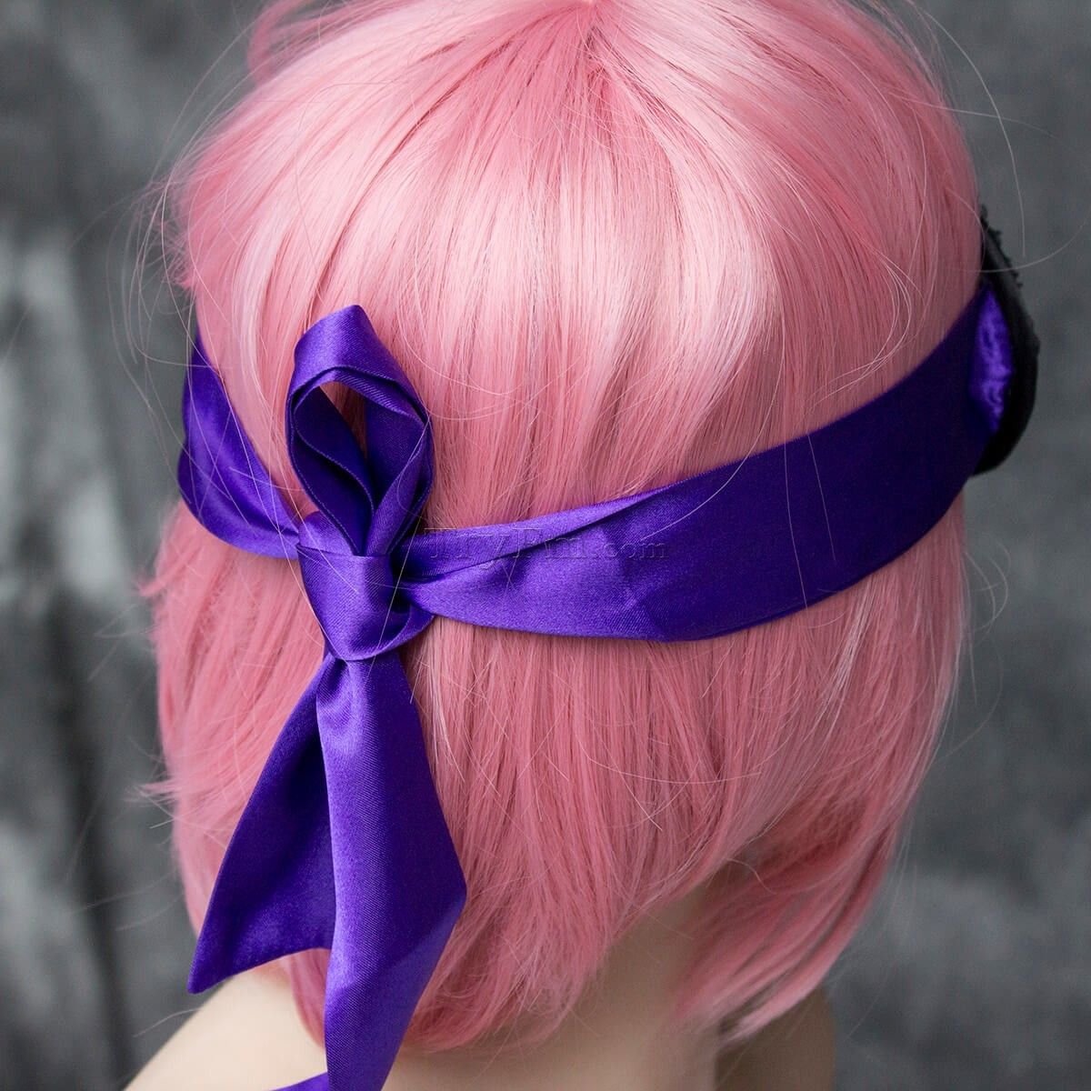 1-american-beauty-blindfold19.jpg