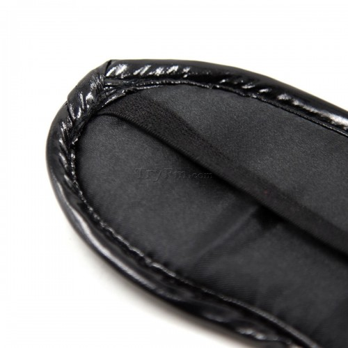 13-black-rivet-blindfold6.jpg