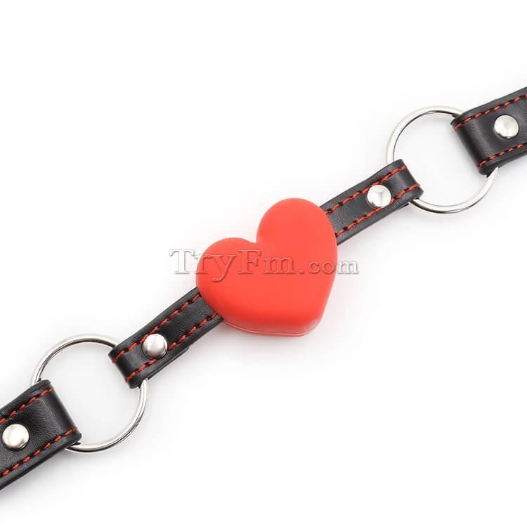 10-Red-Heart-Mouth-Gag1.jpg