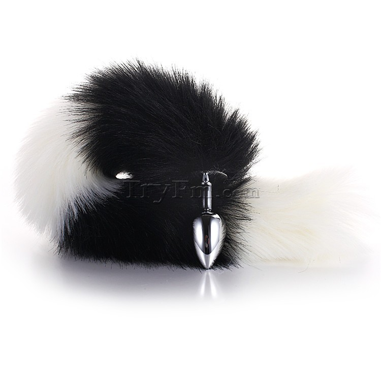 3-white-black-furry-tail-anal-plug2.jpg
