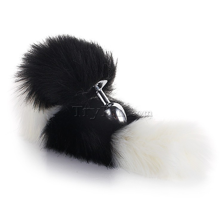 3-white-black-furry-tail-anal-plug3.jpg