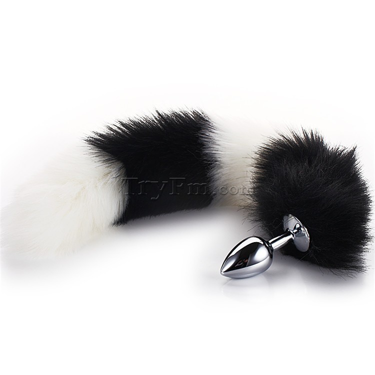3-white-black-furry-tail-anal-plug6.jpg