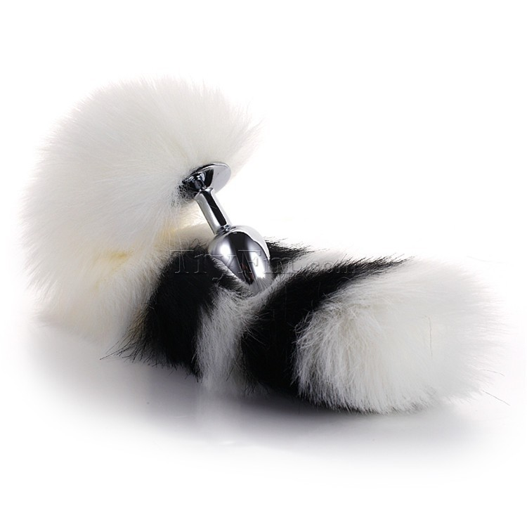 3-white-black-furry-tail-anal-plug7.jpg