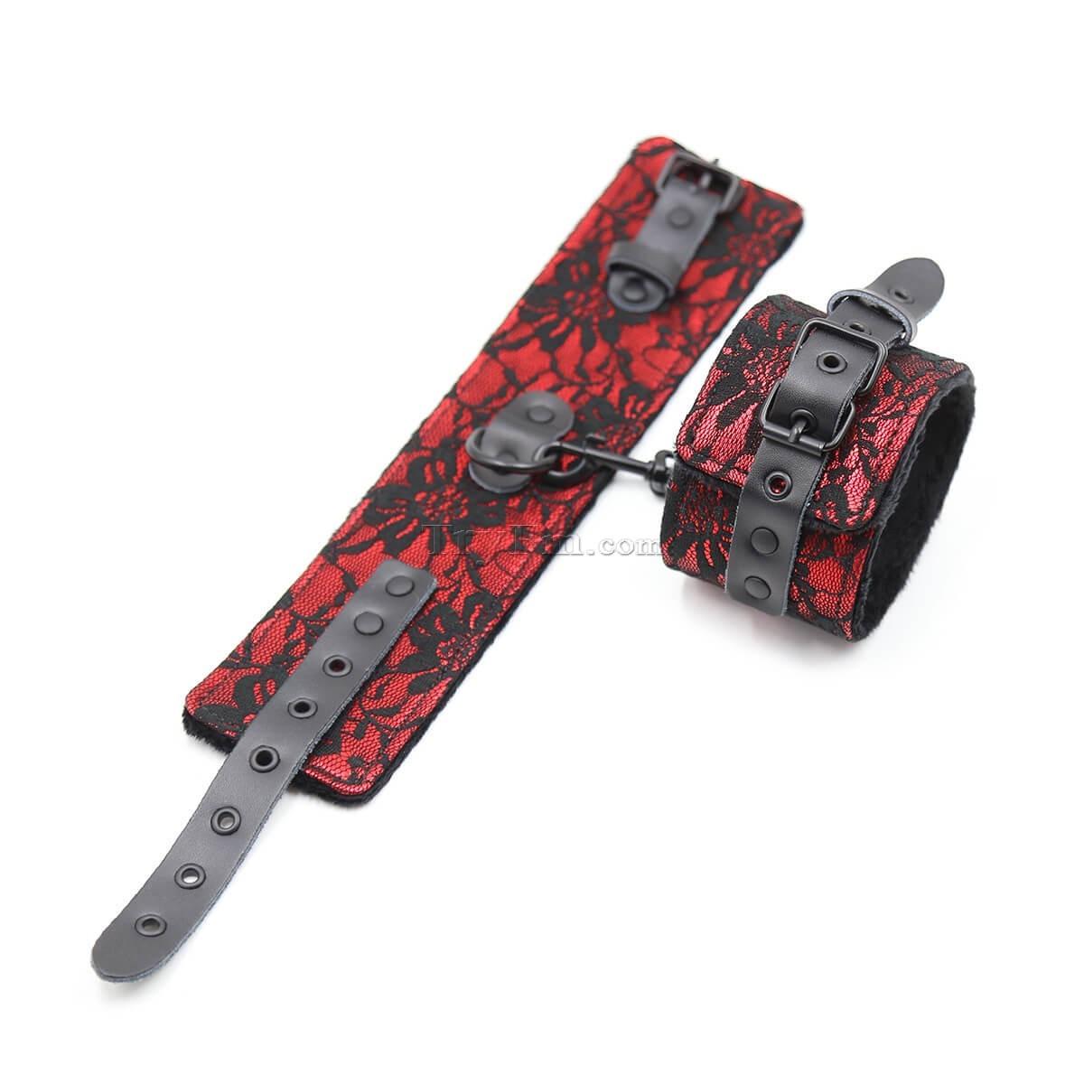 7-lace-kinky-set-red11.jpg