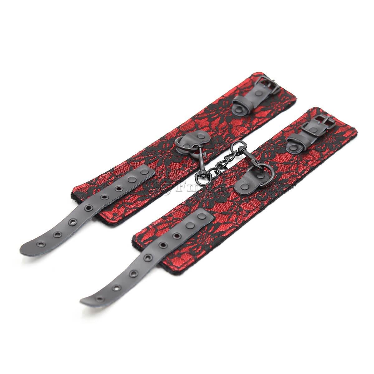7-lace-kinky-set-red12.jpg