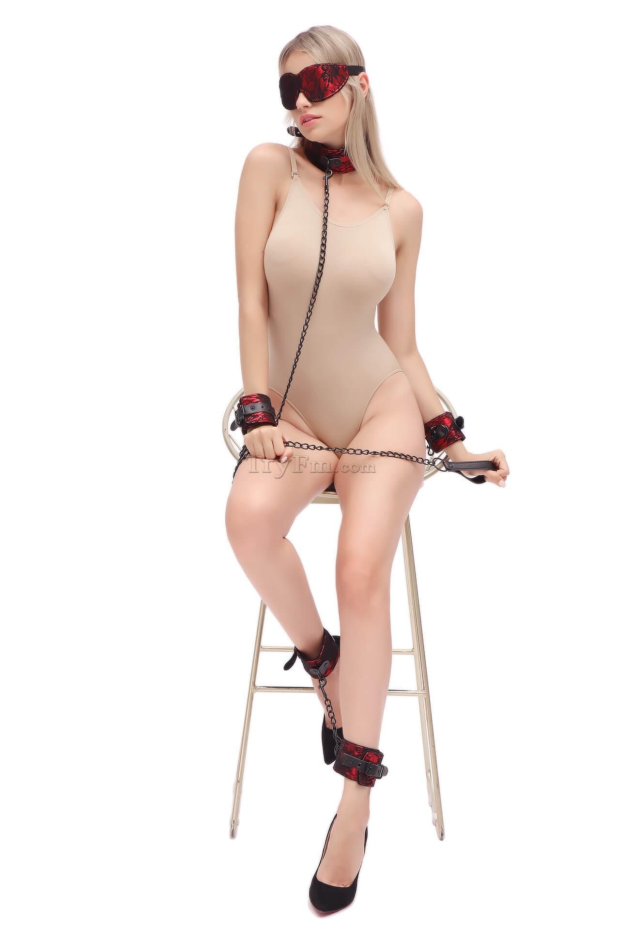7-lace-kinky-set5.jpg